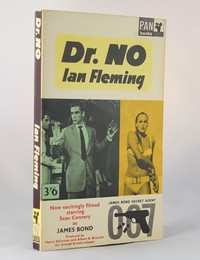 Dr No | Pan | Movie Tie In | X237. This artwork was used for the 9th to 14th printings (no Great Pan on cover)