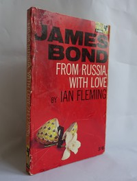 From Russia With Love | Pan | Hawkey | X236. Curious 17th printing (this cover was not released until the 19th).  Possibly a prototype - see text.
