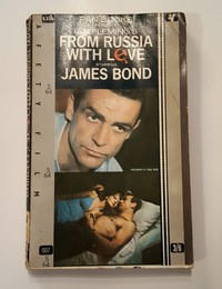From Russia With Love | Pan | Movie Tie In. A few copies do not have the filmstrip punched holes