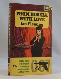 Pan | Painted Series | From Russia With Love 10th edition. The same dust jacket artwork was used on the 10th to 12th editions
