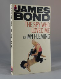 The Spy Who Loved Me | Pan | Model. This artwork was used for the 6th printing 1971 & 7th printing 1972.  Oddly the model seems to have lost a leg!