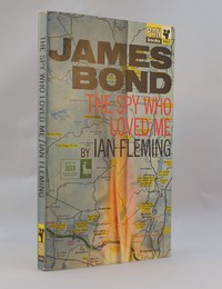The Spy Who Loved Me   Pan   X653. This artwork was used for the 1st to 5th editions